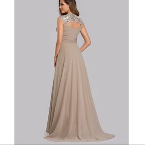 NWT Beautiful Champagne EverPretty dress 👗